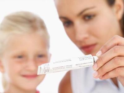 Обзор гормональных и негормональных мазей, кремов для взрослых и детей. Отзывы о препаратах